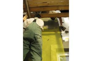 Прокладывается фасадная стеклотканевая сетка