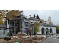 Реконструкция фасадов дома, утепление фасадов минераловатной плитой Rockwool 100мм, декоративные элементы из фасадного пенопласта, вырезаны на станке ЧПУ, приклеиваютсz и обрабатываются клеем с Архитектурной стеклотканевой сеткой Bautex